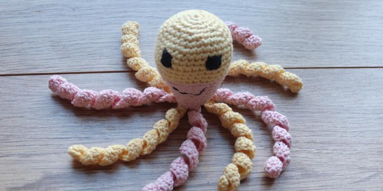 NICU babies befriend crochet octopi – and how you can help!